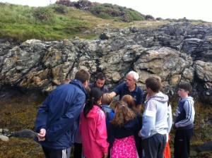 pupils discussing beach finds